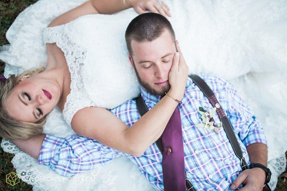 gatlinburg_tennessee_photographer_taylor_ford_weddings_enchanted_valley_barn_3887.jpg