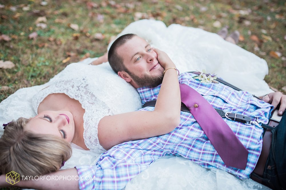 gatlinburg_tennessee_photographer_taylor_ford_weddings_enchanted_valley_barn_3888.jpg
