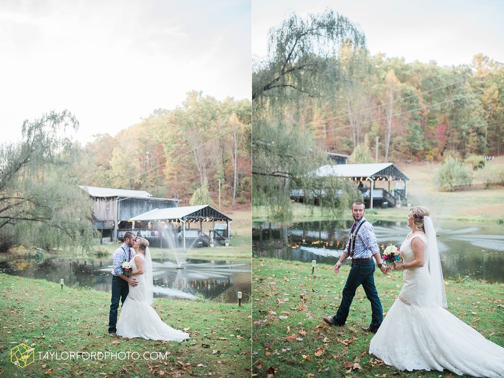 gatlinburg_tennessee_photographer_taylor_ford_weddings_enchanted_valley_barn_3890.jpg