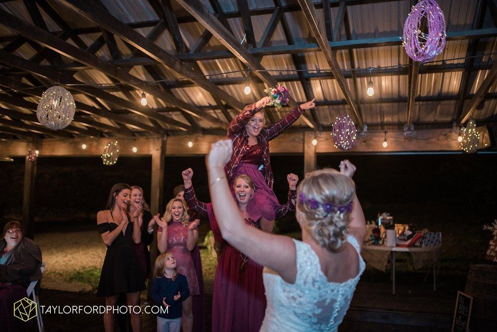 gatlinburg_tennessee_photographer_taylor_ford_weddings_enchanted_valley_barn_3894.jpg