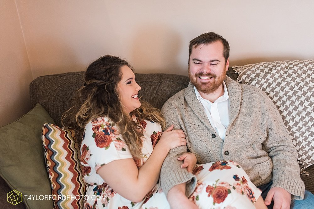 van_wert_ohio_couples_photographer_first_christmas_quincy_and_weston_taylor_ford_0957.jpg