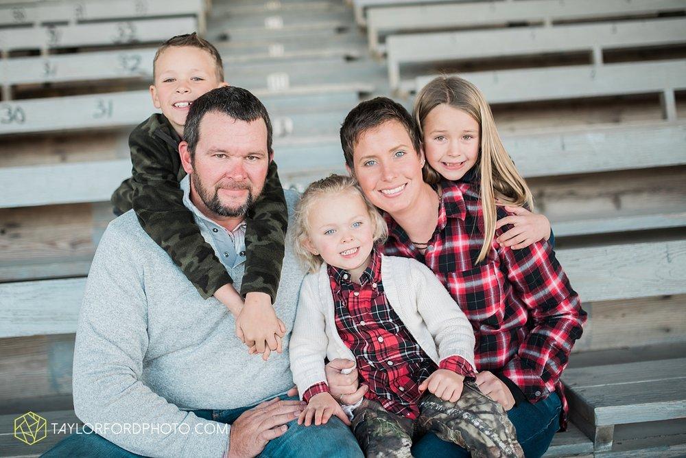 van_wert_ohio_photographer_the_baxter_family_county_fairgrounds_taylor_ford_4012.jpg
