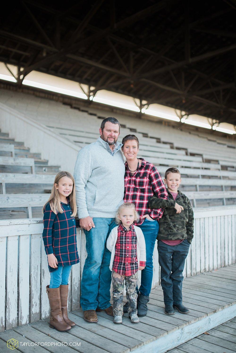 van_wert_ohio_photographer_the_baxter_family_county_fairgrounds_taylor_ford_4015.jpg