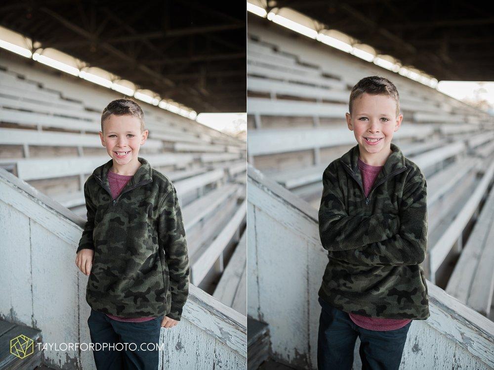van_wert_ohio_photographer_the_baxter_family_county_fairgrounds_taylor_ford_4018.jpg