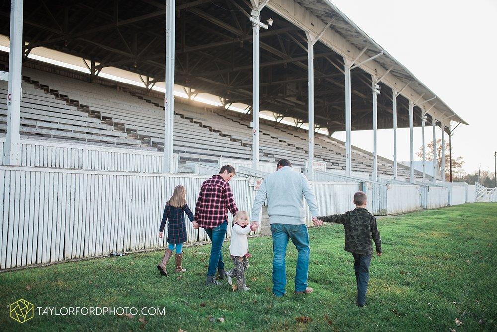 van_wert_ohio_photographer_the_baxter_family_county_fairgrounds_taylor_ford_4019.jpg