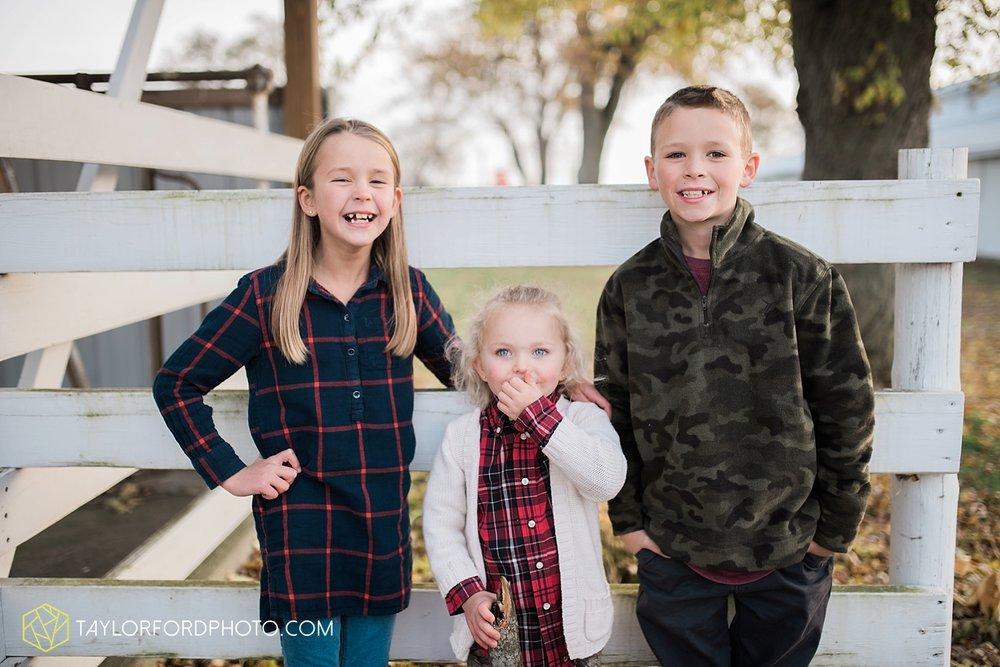van_wert_ohio_photographer_the_baxter_family_county_fairgrounds_taylor_ford_4025.jpg