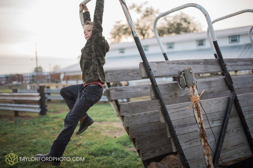 van_wert_ohio_photographer_the_baxter_family_county_fairgrounds_taylor_ford_4035.jpg