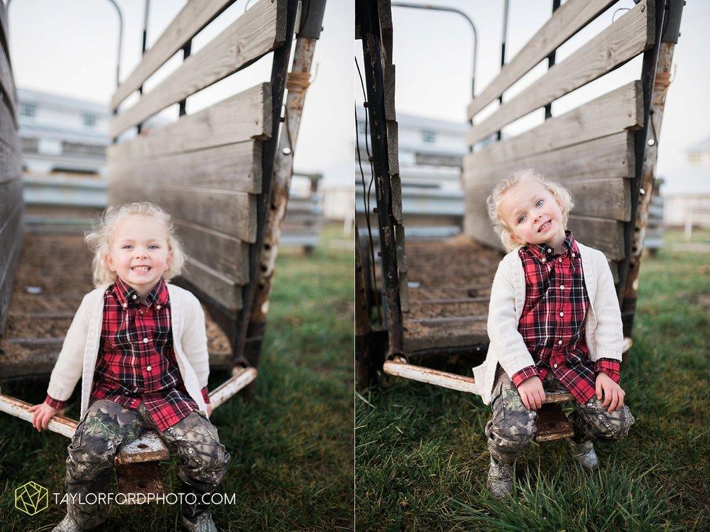 van_wert_ohio_photographer_the_baxter_family_county_fairgrounds_taylor_ford_4036.jpg