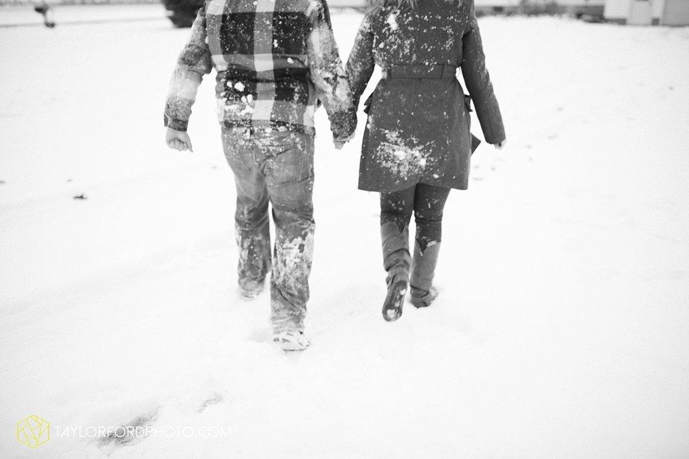 van_wert_ohio_photographer_shawn_and_katelynn_engagement_country_taylor_ford_wedding_photographer_4122.jpg