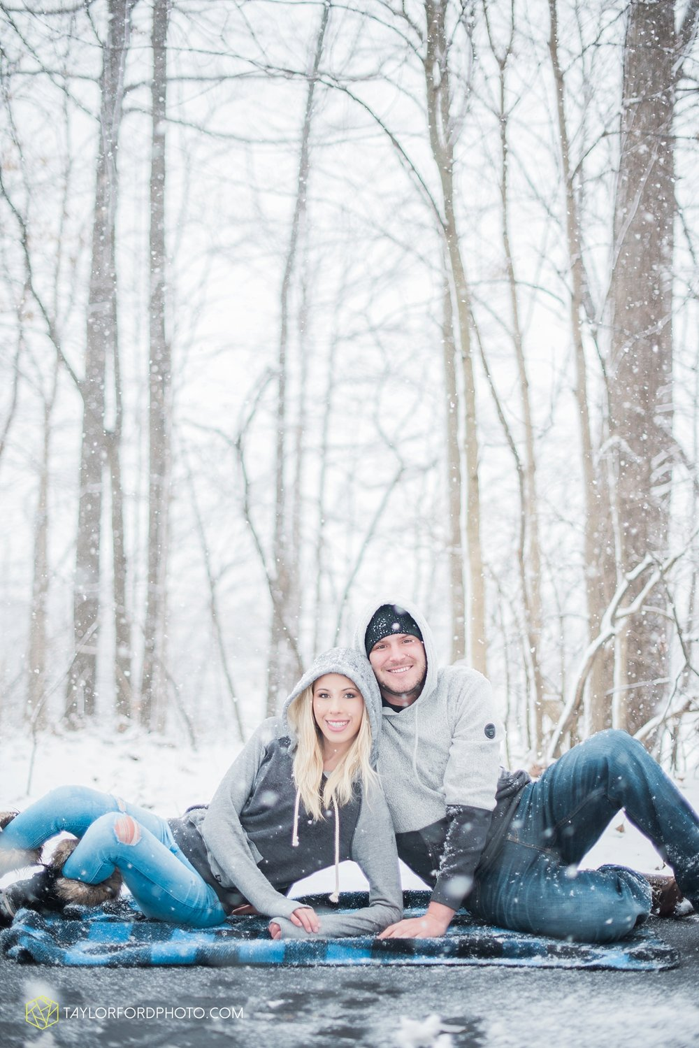 van_wert_ohio_fort_wayne_indiana_engagement_wedding_photographer_taylor_ford24.jpg