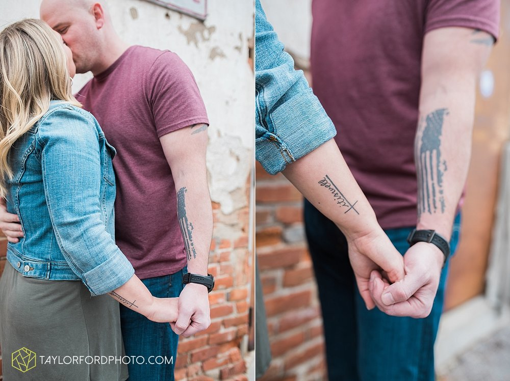 indianapolis_indiana_engagement_wedding_fort_wayne_indiana_taylor_ford_photography_1370.jpg