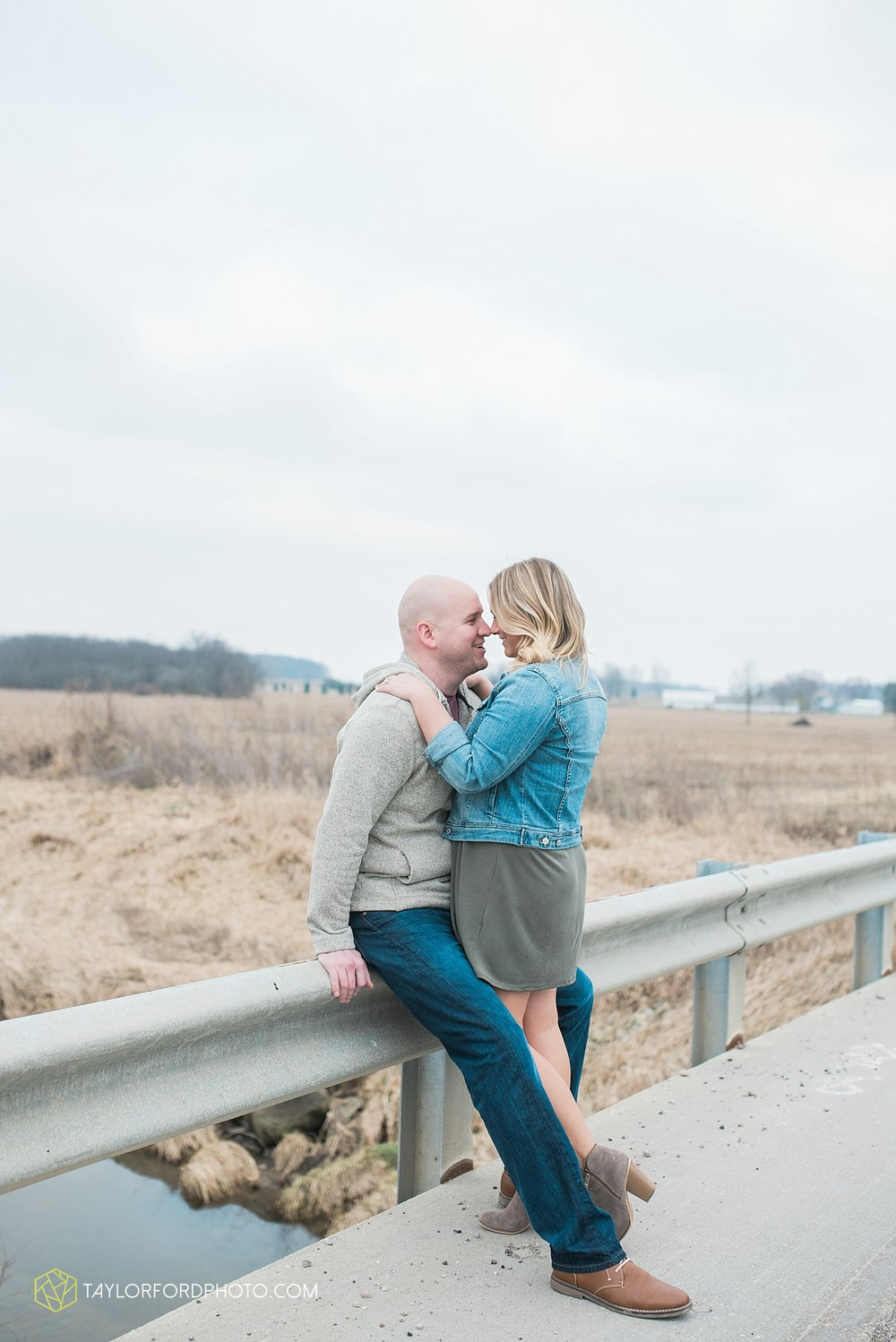 indianapolis_indiana_engagement_wedding_fort_wayne_indiana_taylor_ford_photography_1372.jpg
