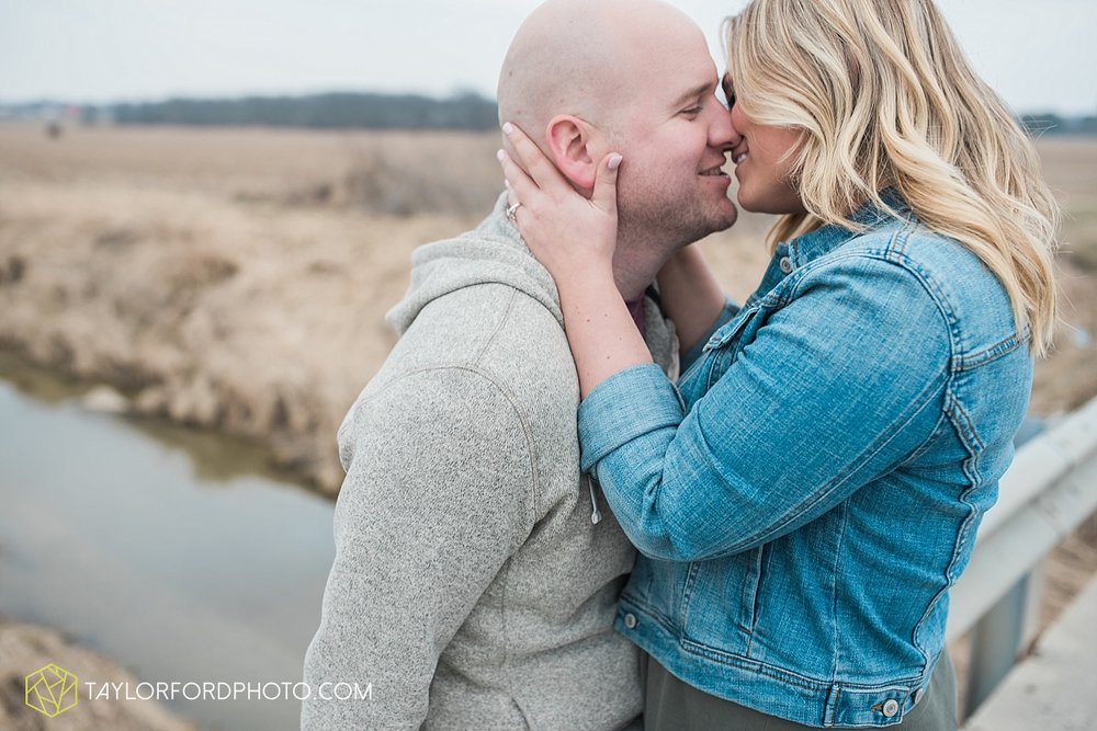 indianapolis_indiana_engagement_wedding_fort_wayne_indiana_taylor_ford_photography_1373.jpg