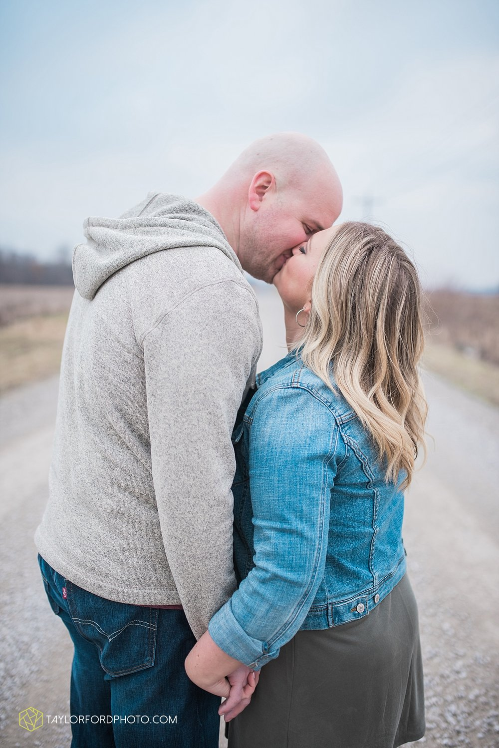 indianapolis_indiana_engagement_wedding_fort_wayne_indiana_taylor_ford_photography_1376.jpg