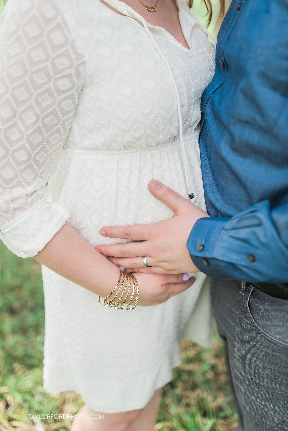 fort-wayne-indiana-maternity-photographer-taylor-ford-photography_1478.jpg