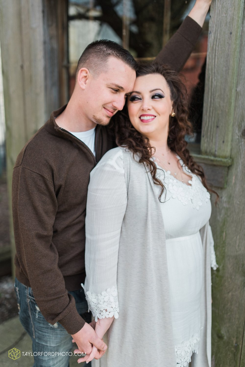 fort-wayne-indiana-engagement-wedding-photographer-taylor-ford-photography_1545.jpg