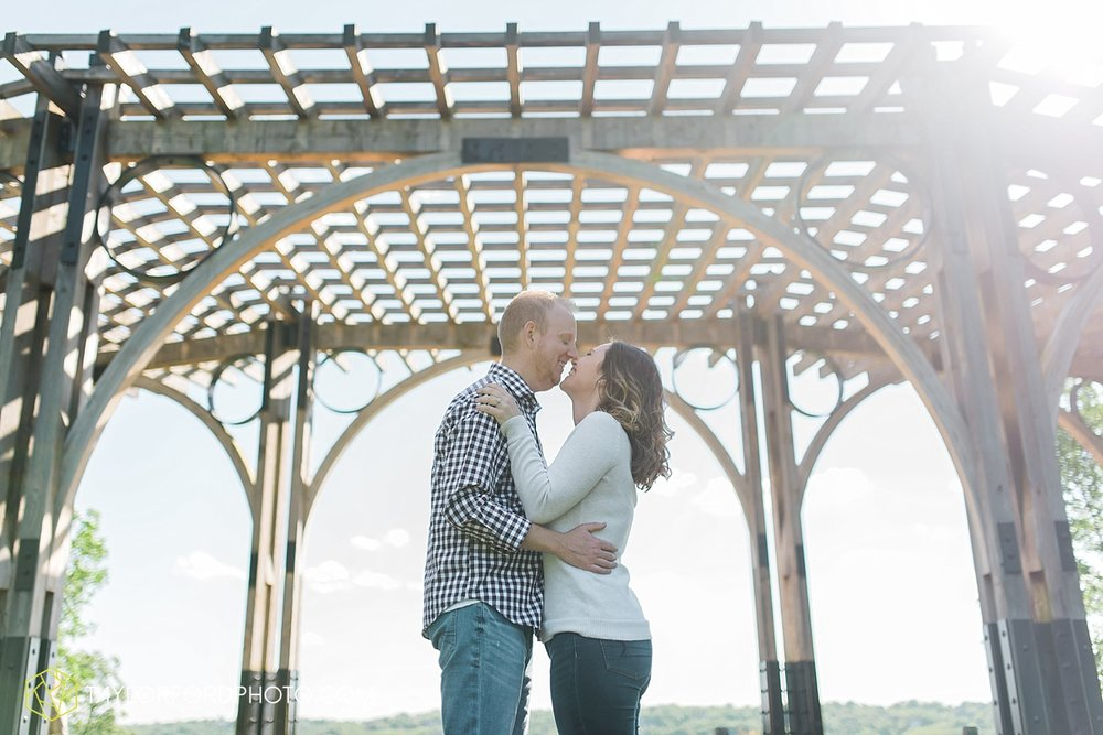 cincinnati-ohio-engagement-wedding-photographer-taylor-ford-photography-over-the-rhine-alms-park_1765.jpg