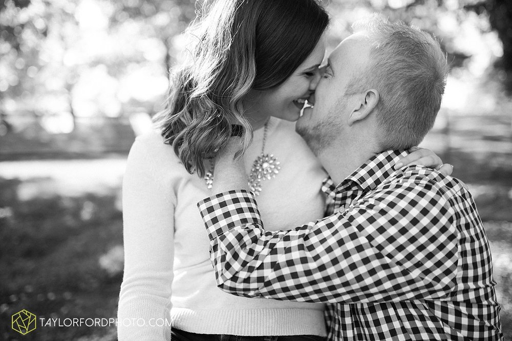 cincinnati-ohio-engagement-wedding-photographer-taylor-ford-photography-over-the-rhine-alms-park_1769.jpg