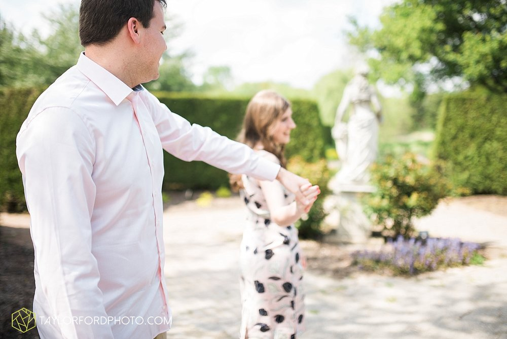toledo-ohio-engagement-wedding-photographer-taylor-ford-photography-oaks-opening-metro-park-botanical-gardens4.jpg