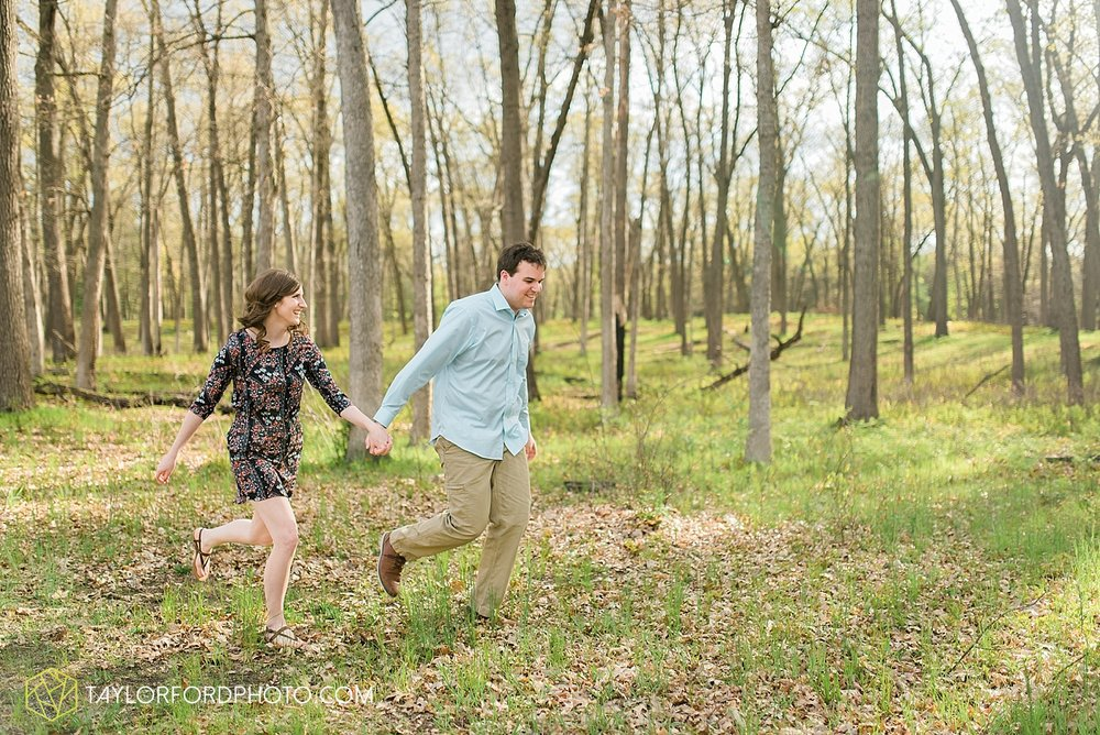 toledo-ohio-engagement-wedding-photographer-taylor-ford-photography-oaks-opening-metro-park-botanical-gardens26.jpg
