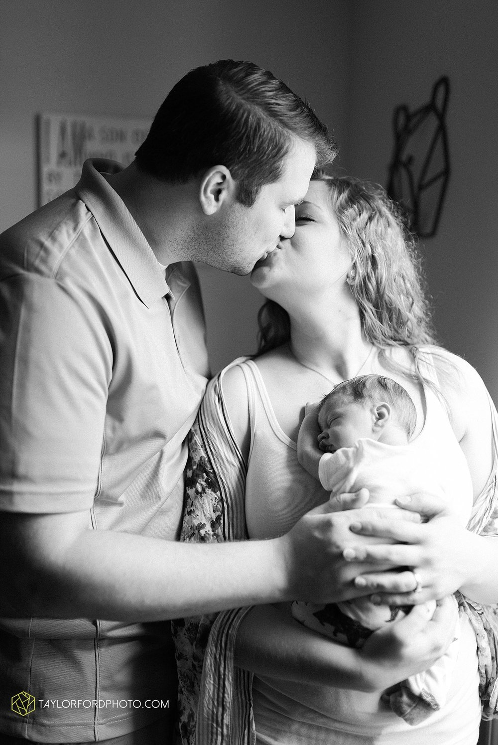indiana-fort-wayne-van-wert-ohio-newborn-photographer-taylor-ford-photography_1967.jpg
