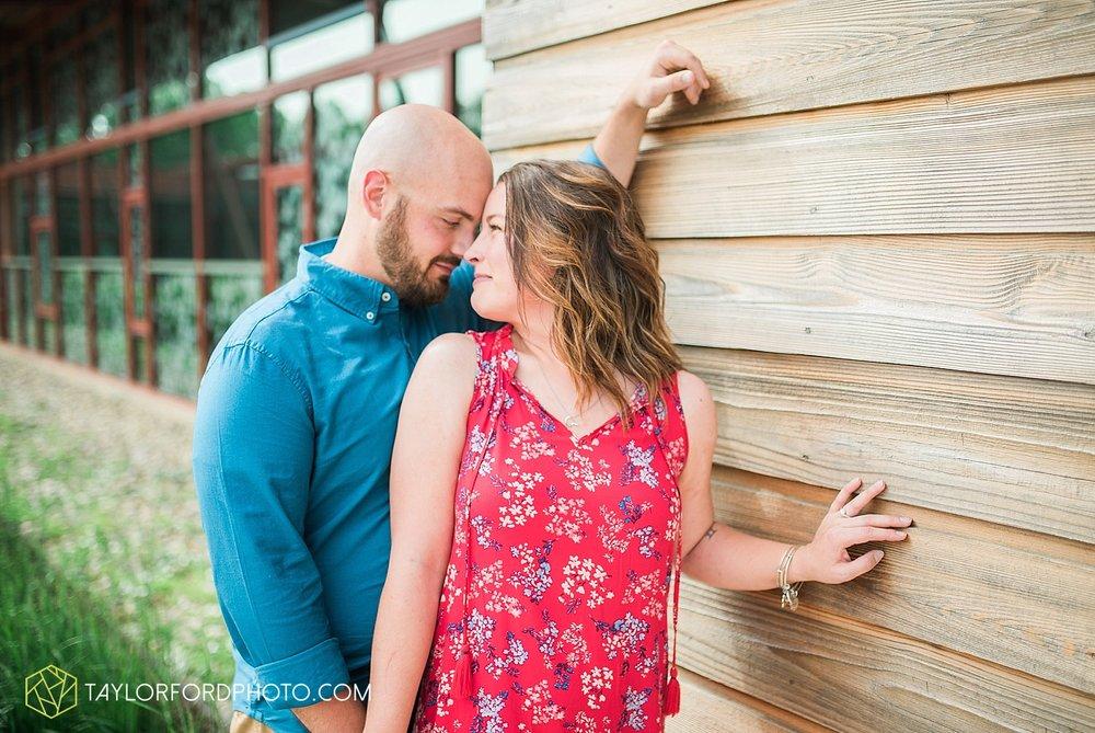 columbus-ohio-wedding-engagement-photographer-taylor-ford-photography_1996.jpg