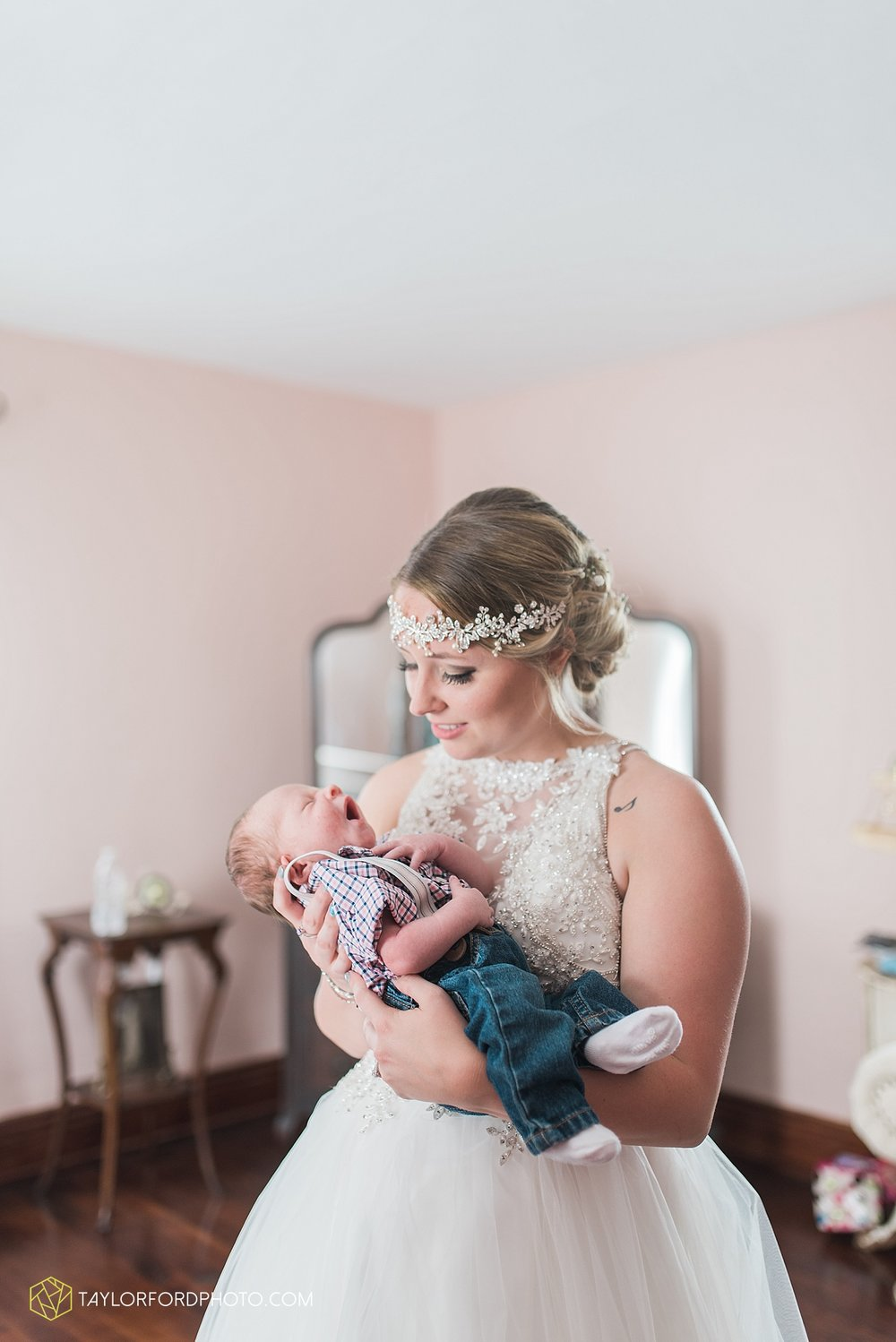 columbus-grove-black-bird-farm-wedding-photographer-taylor-ford-photography_2134.jpg