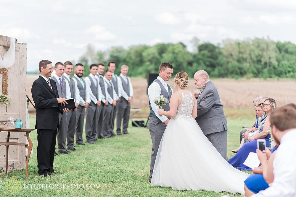 columbus-grove-black-bird-farm-wedding-photographer-taylor-ford-photography_2140.jpg