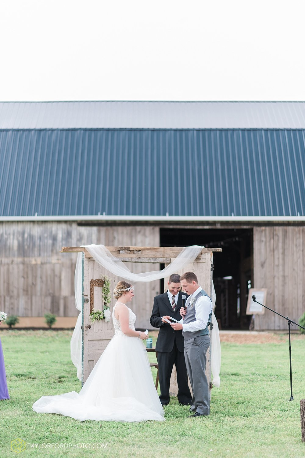 columbus-grove-black-bird-farm-wedding-photographer-taylor-ford-photography_2142.jpg