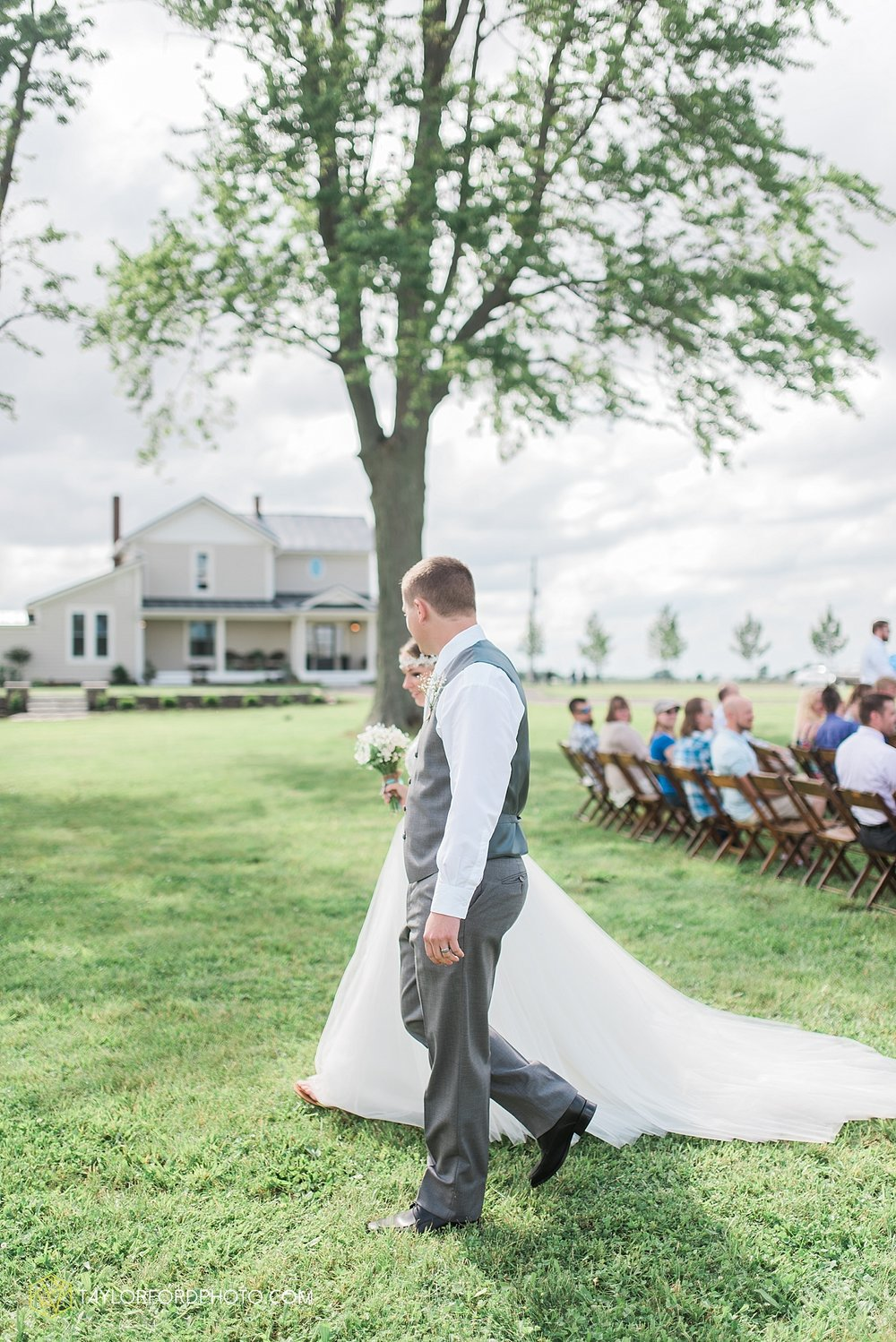 columbus-grove-black-bird-farm-wedding-photographer-taylor-ford-photography_2147.jpg