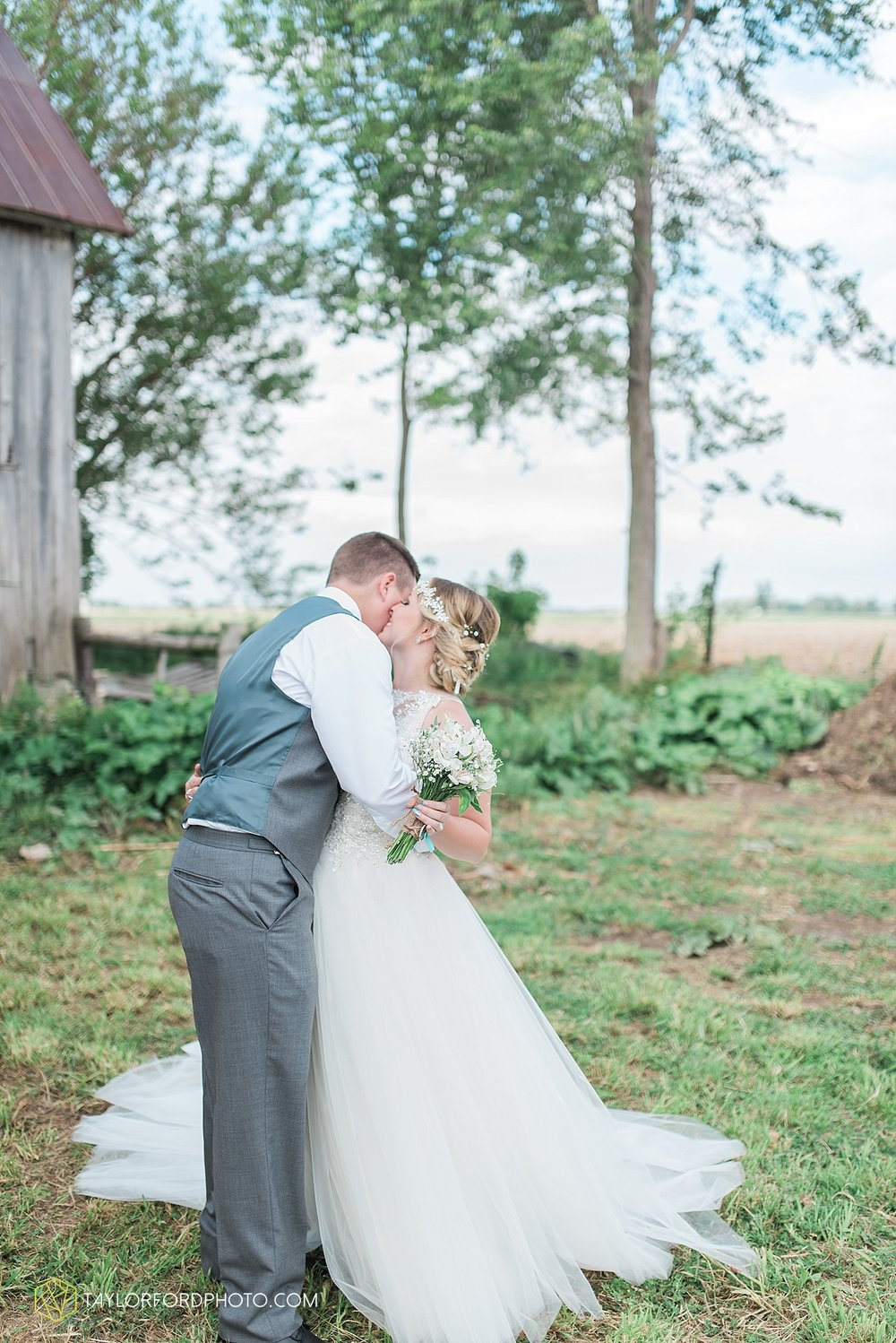 columbus-grove-black-bird-farm-wedding-photographer-taylor-ford-photography_2165.jpg