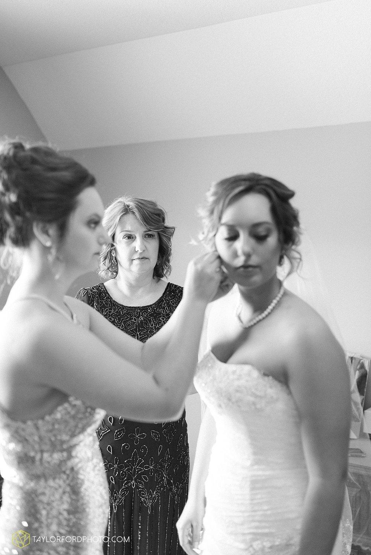 van-wert-ohio-decatur-indiana-wedding-photographer-the-mirage-banquet-hall-taylor-ford-photography_2476.jpg