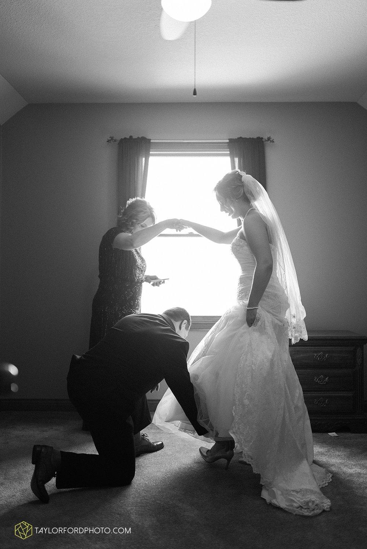 van-wert-ohio-decatur-indiana-wedding-photographer-the-mirage-banquet-hall-taylor-ford-photography_2478.jpg