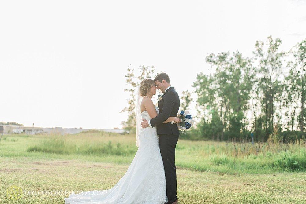 van-wert-ohio-decatur-indiana-wedding-photographer-the-mirage-banquet-hall-taylor-ford-photography_2539.jpg