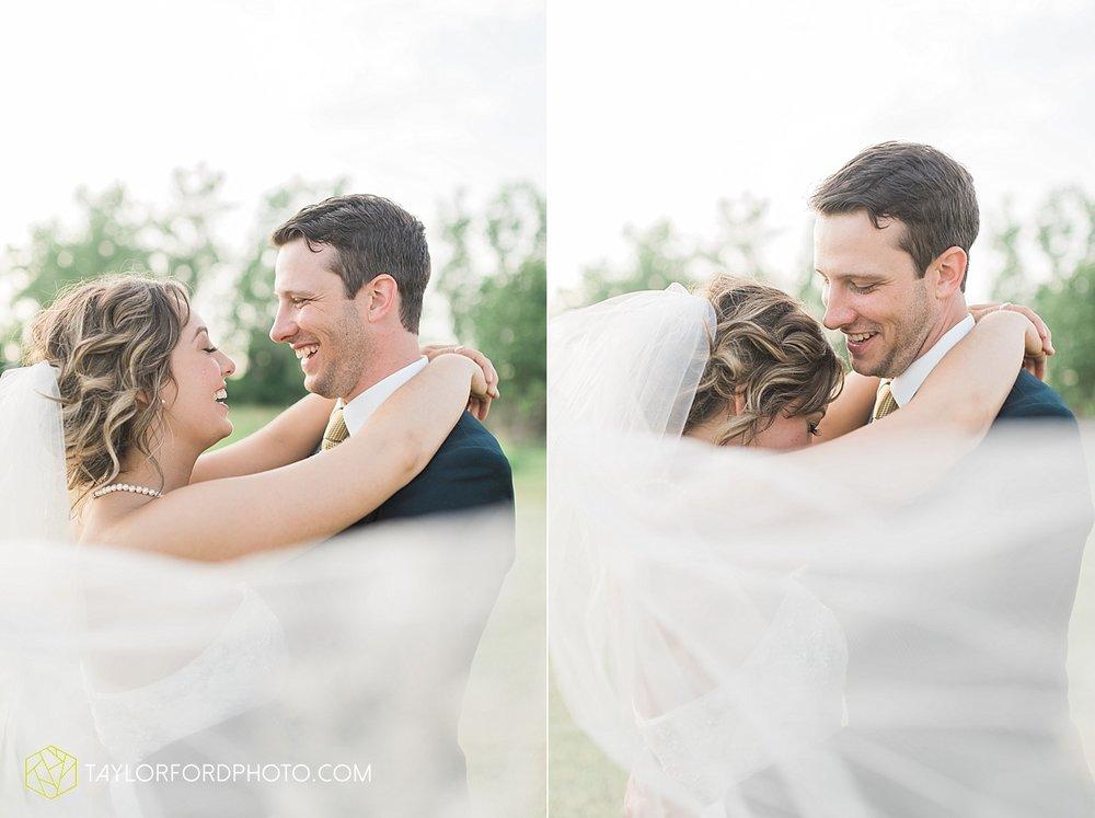van-wert-ohio-decatur-indiana-wedding-photographer-the-mirage-banquet-hall-taylor-ford-photography_2545.jpg