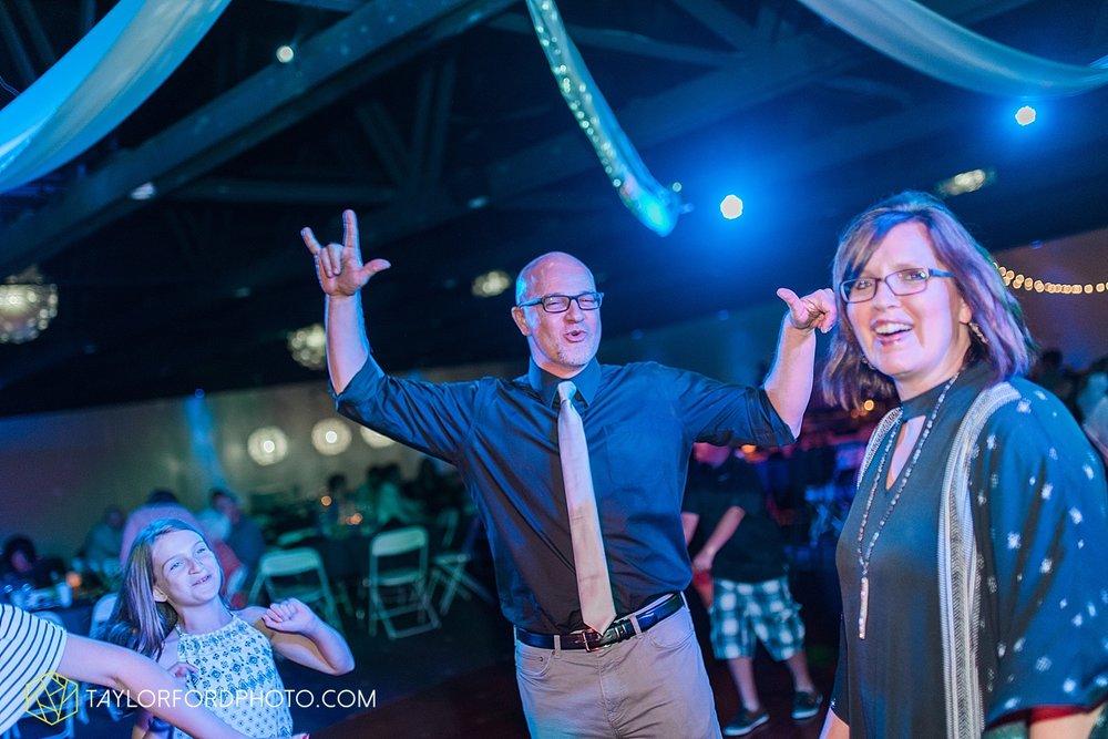 van-wert-ohio-decatur-indiana-wedding-photographer-the-mirage-banquet-hall-taylor-ford-photography_2556.jpg