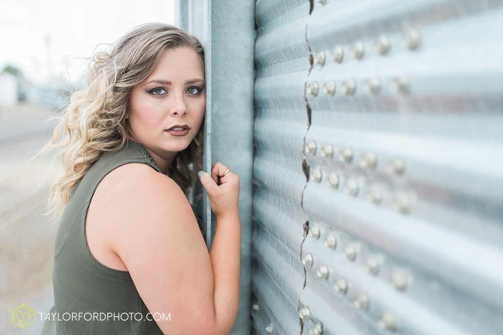fort-wayne-indiana-van-wert-ohio-senior-photographer-taylor-ford-photography-lincolnview-high-school_2792.jpg