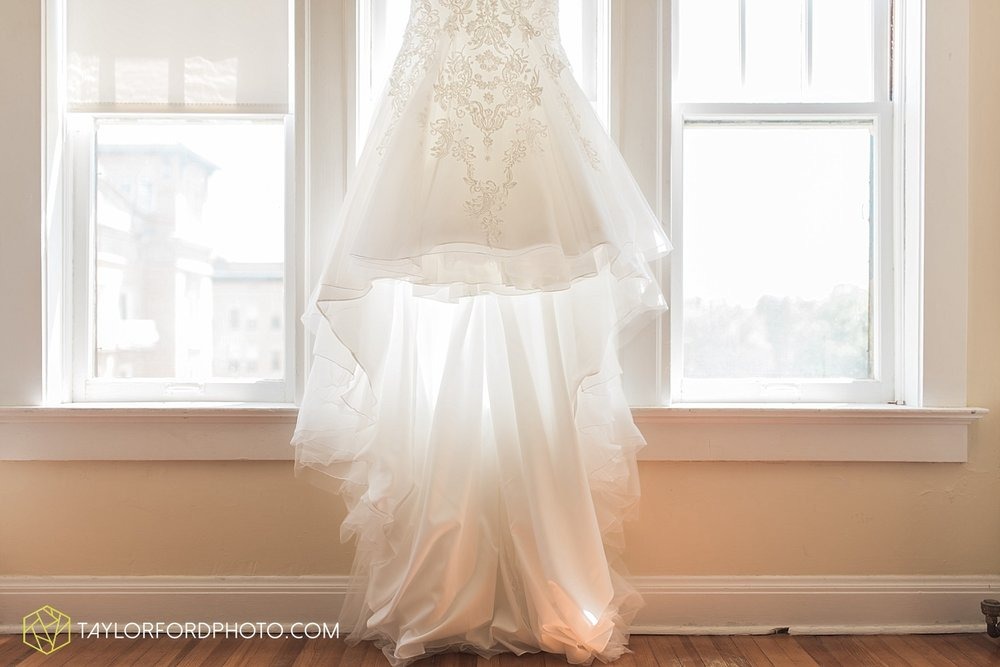 terre-haute-indiana-wedding-photographer-taylor-ford-photography-saint-marys-of-the-woods-college-weddings_2880.jpg