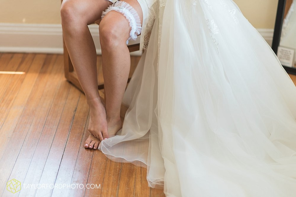 terre-haute-indiana-wedding-photographer-taylor-ford-photography-saint-marys-of-the-woods-college-weddings_2881.jpg