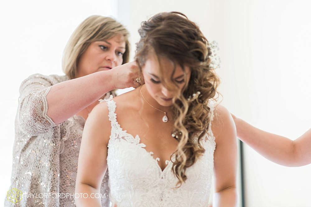 terre-haute-indiana-wedding-photographer-taylor-ford-photography-saint-marys-of-the-woods-college-weddings_2883.jpg