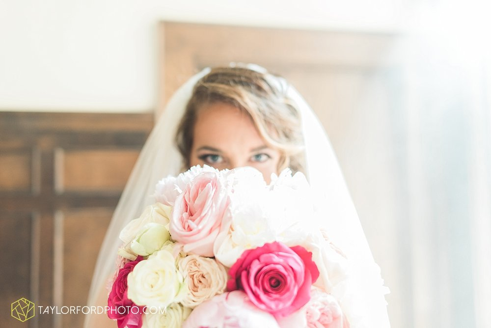 terre-haute-indiana-wedding-photographer-taylor-ford-photography-saint-marys-of-the-woods-college-weddings_2898.jpg