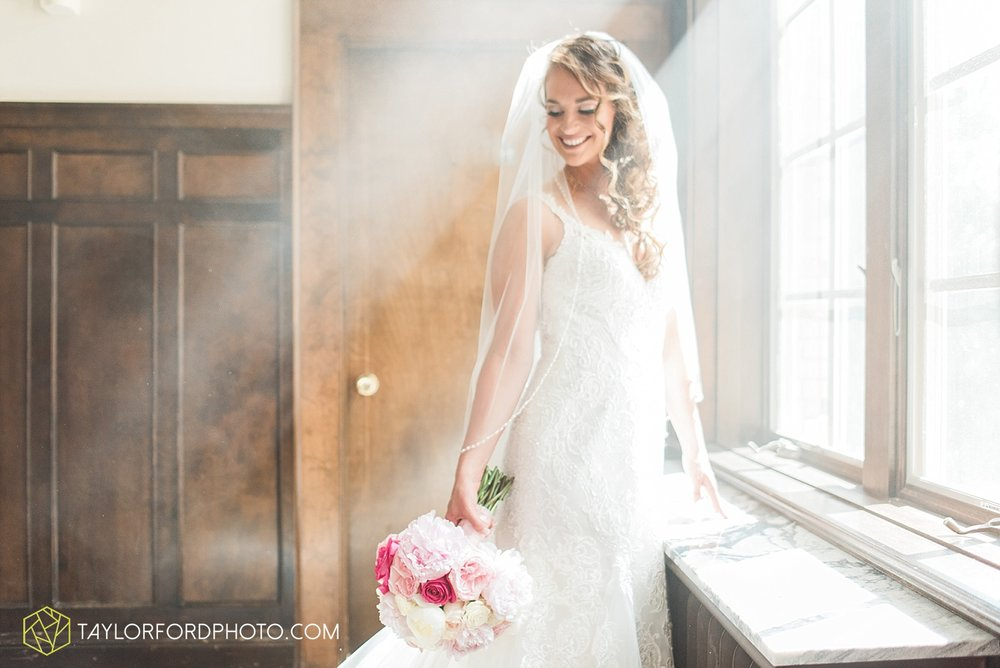 terre-haute-indiana-wedding-photographer-taylor-ford-photography-saint-marys-of-the-woods-college-weddings_2899.jpg