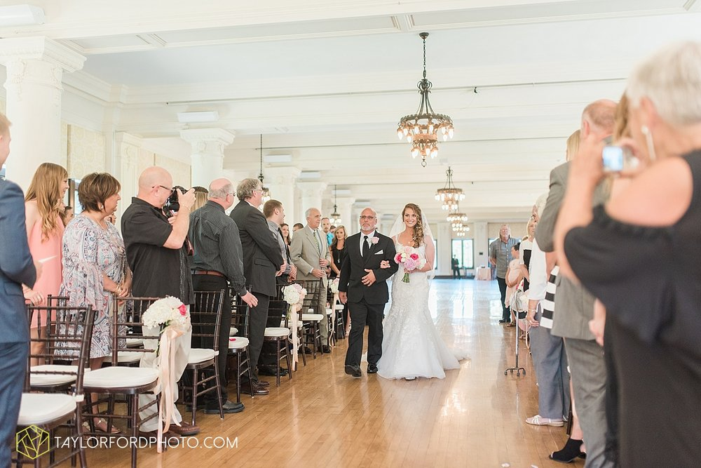 terre-haute-indiana-wedding-photographer-taylor-ford-photography-saint-marys-of-the-woods-college-weddings_2901.jpg