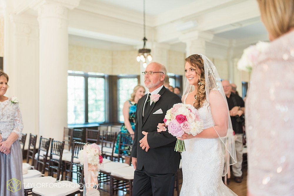 terre-haute-indiana-wedding-photographer-taylor-ford-photography-saint-marys-of-the-woods-college-weddings_2902.jpg