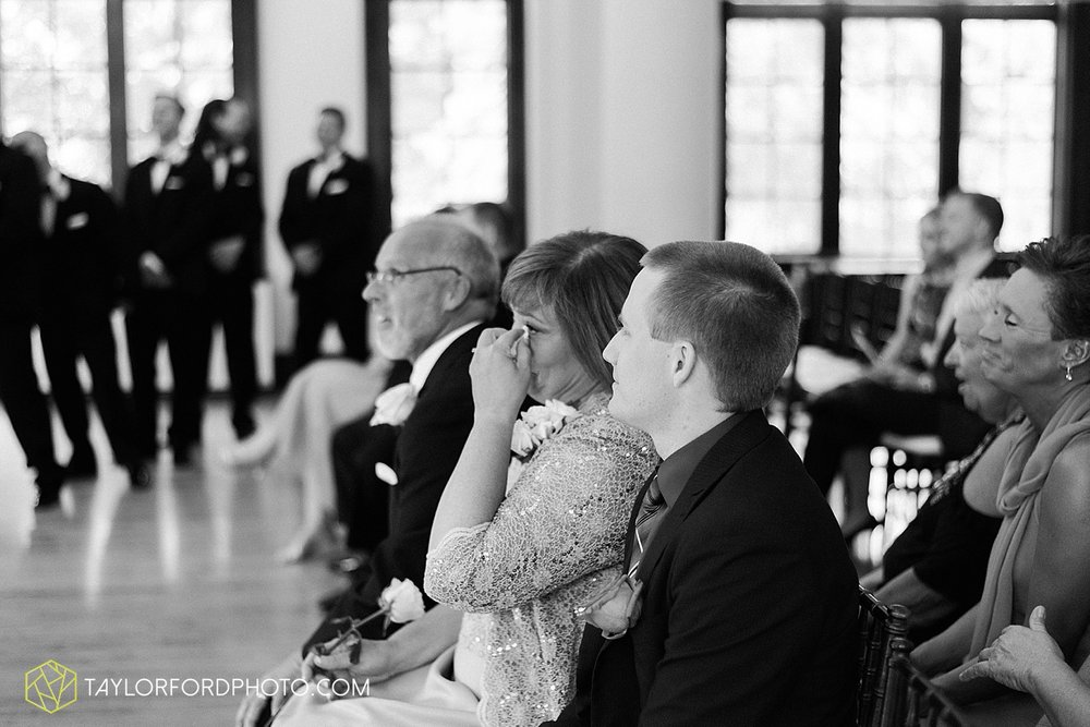 terre-haute-indiana-wedding-photographer-taylor-ford-photography-saint-marys-of-the-woods-college-weddings_2909.jpg