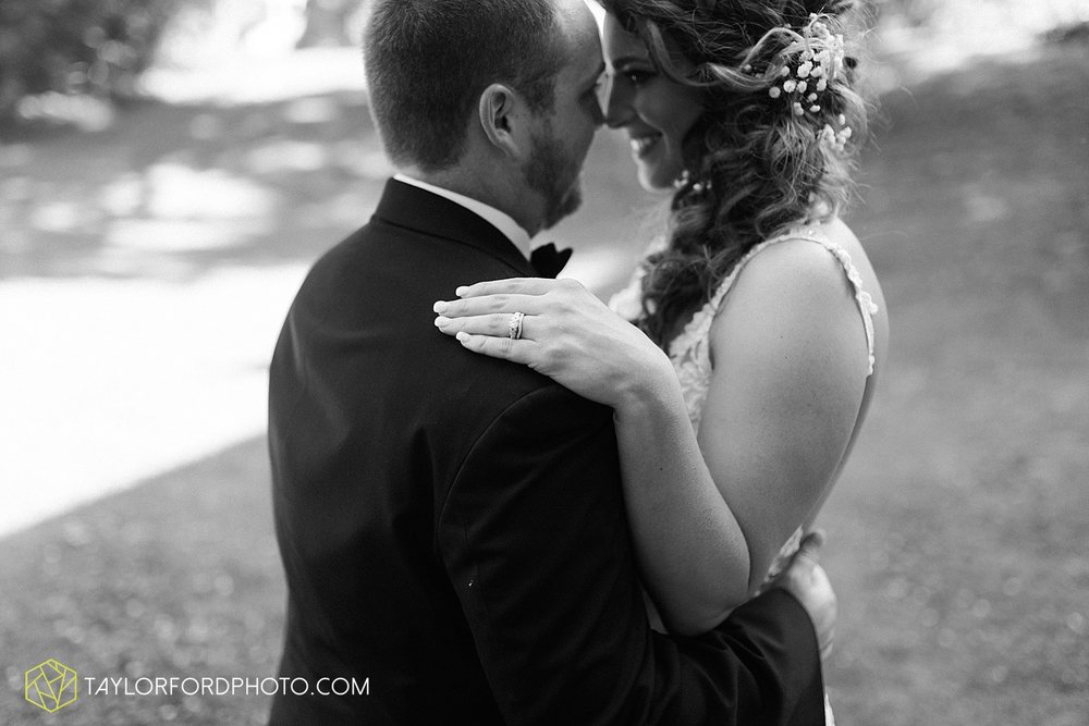 terre-haute-indiana-wedding-photographer-taylor-ford-photography-saint-marys-of-the-woods-college-weddings_2925.jpg