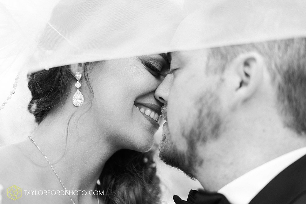 terre-haute-indiana-wedding-photographer-taylor-ford-photography-saint-marys-of-the-woods-college-weddings_2928.jpg