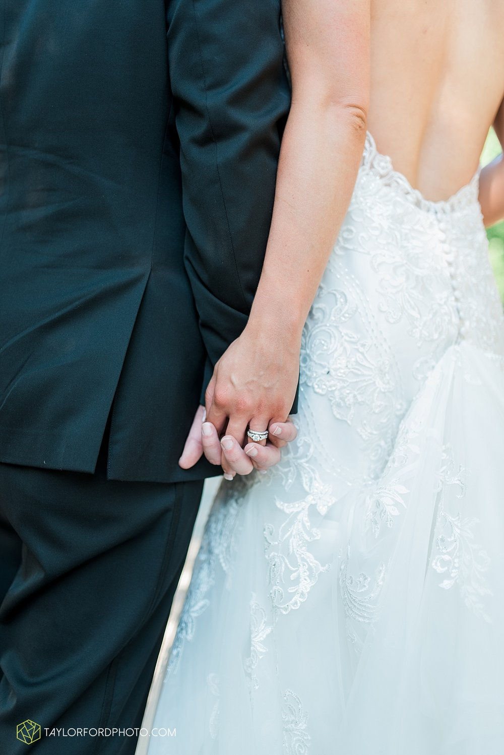 terre-haute-indiana-wedding-photographer-taylor-ford-photography-saint-marys-of-the-woods-college-weddings_2930.jpg