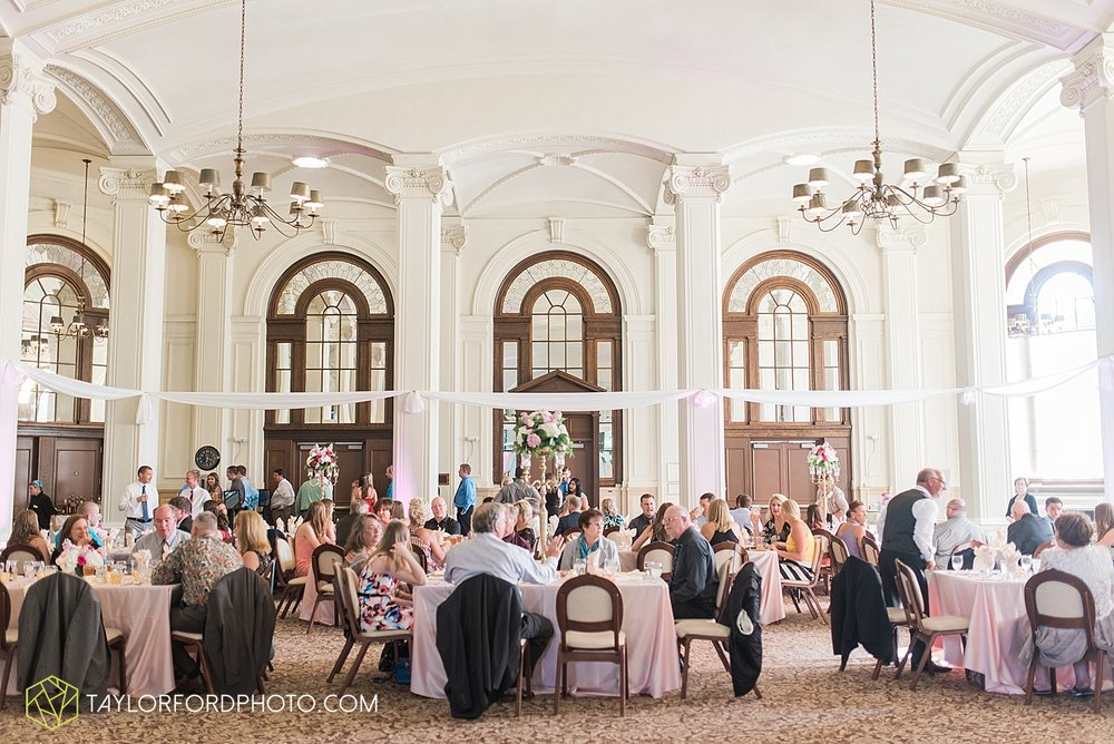 terre-haute-indiana-wedding-photographer-taylor-ford-photography-saint-marys-of-the-woods-college-weddings_2934.jpg