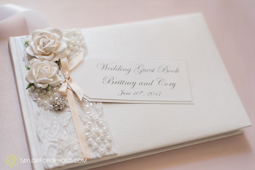 terre-haute-indiana-wedding-photographer-taylor-ford-photography-saint-marys-of-the-woods-college-weddings_2935.jpg